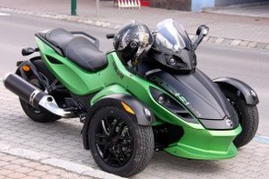 Can-Am_Spyder_RSS_(02)